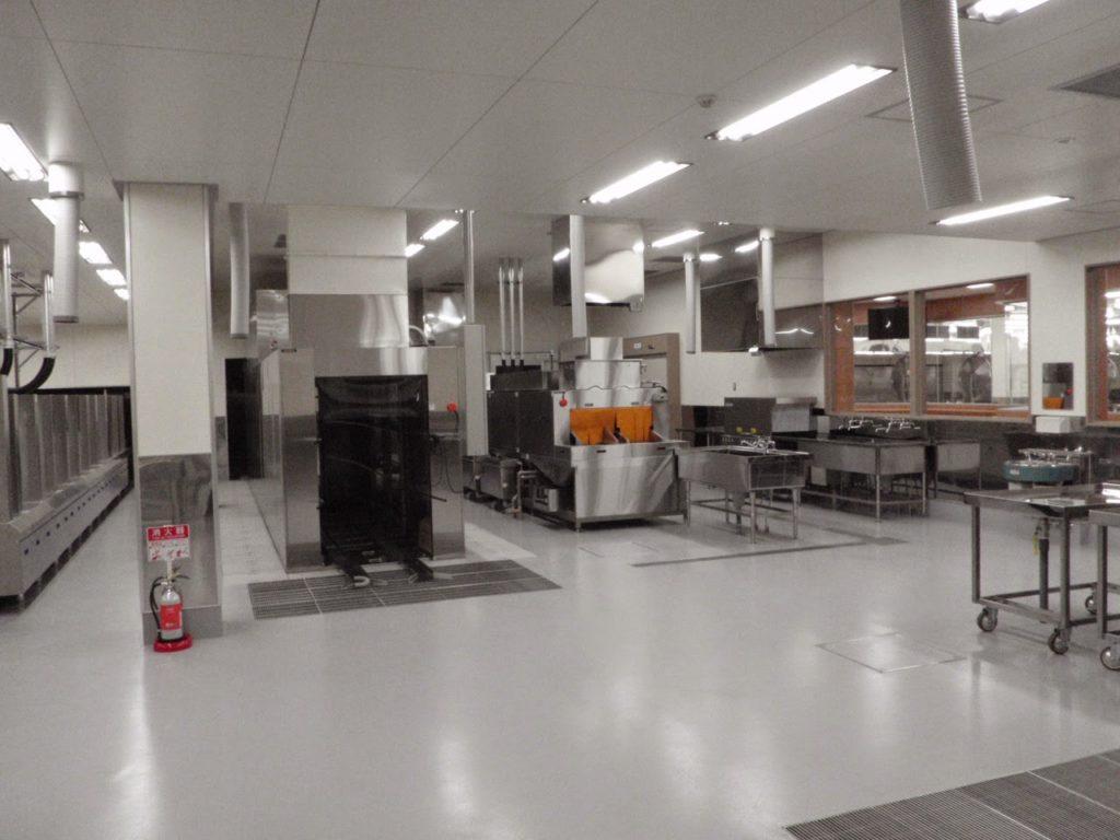 給食センター完成2